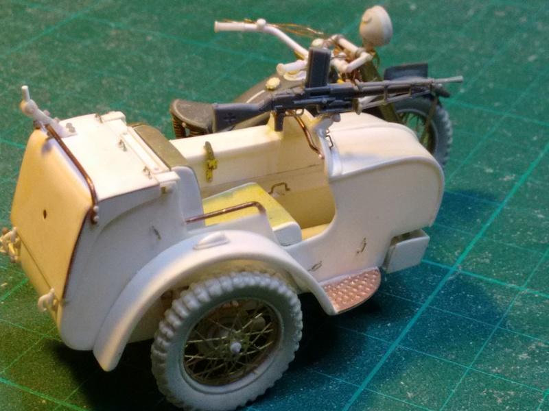 MOTO 800 AX avec Side Car Bernardet mod 38 Dragon portés : scratch partiel au 1/35 Img_2038