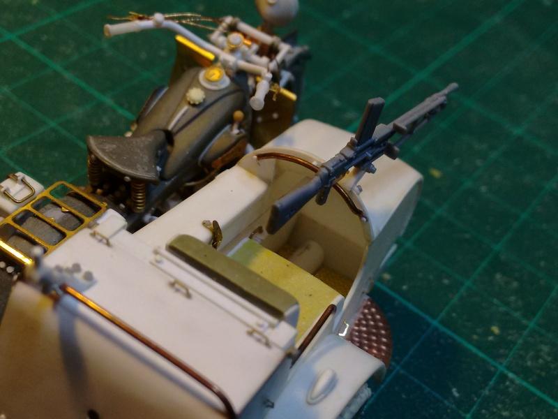 MOTO 800 AX avec Side Car Bernardet mod 38 Dragon portés : scratch partiel au 1/35 Img_2041