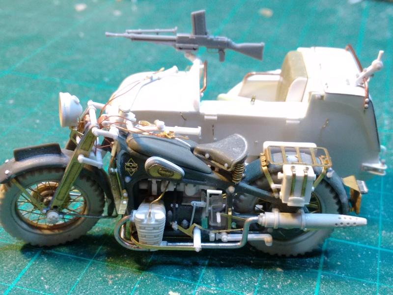 MOTO 800 AX avec Side Car Bernardet mod 38 Dragon portés : scratch partiel au 1/35 Img_2042