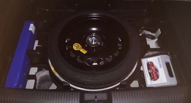 [Brico Astra K] Poner triangulos de emergencia dentro del maletero (con rueda de repuesto) - Página 2 Img_2010