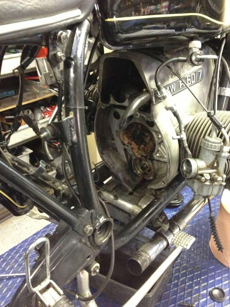 Remplacement pompe à huile sur BMW R60/7 de 1978 Img_3710