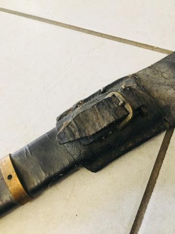 Besoin d'aide pour identification de fourreau et d'épées 29550711