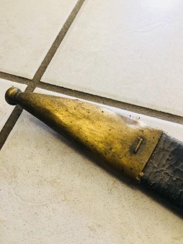 Besoin d'aide pour identification de fourreau et d'épées 29745410