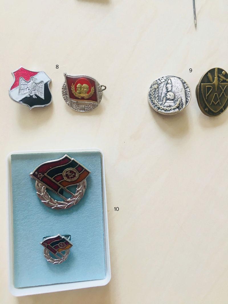 Estimation approximative lot médaille, insigne, décorations, pin's 411