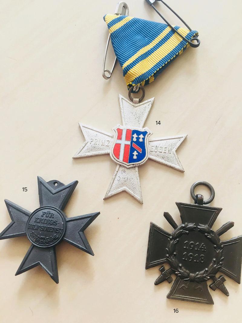 Estimation approximative lot médaille, insigne, décorations, pin's 710