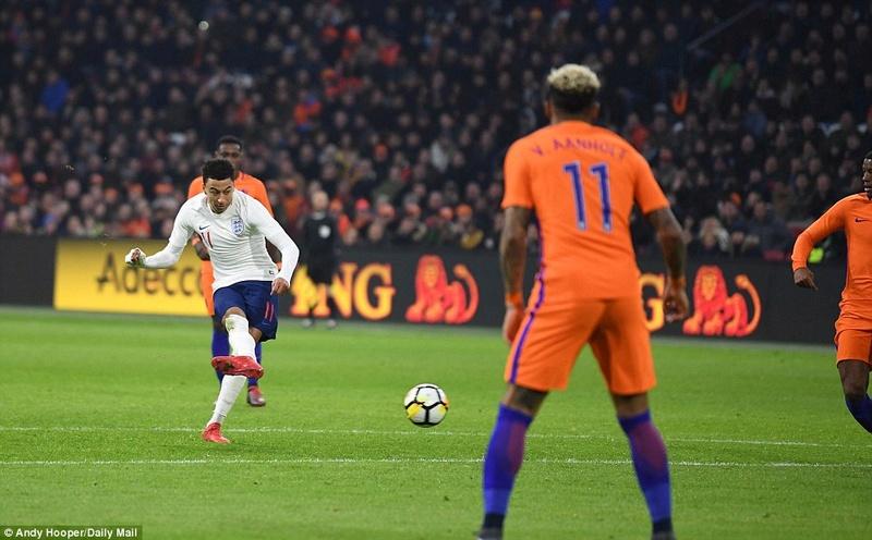 Holland 0-1 England: Jesse Lingard scored  4a7de210