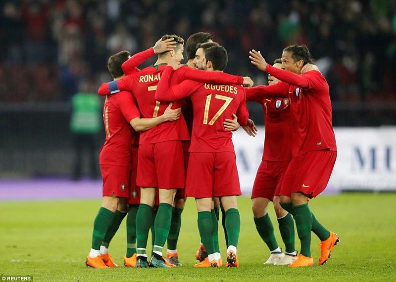 Portugal 2-1 Egypt: Cristiano Ronaldo 2-1 Mohamed Salah 4a7e1b11