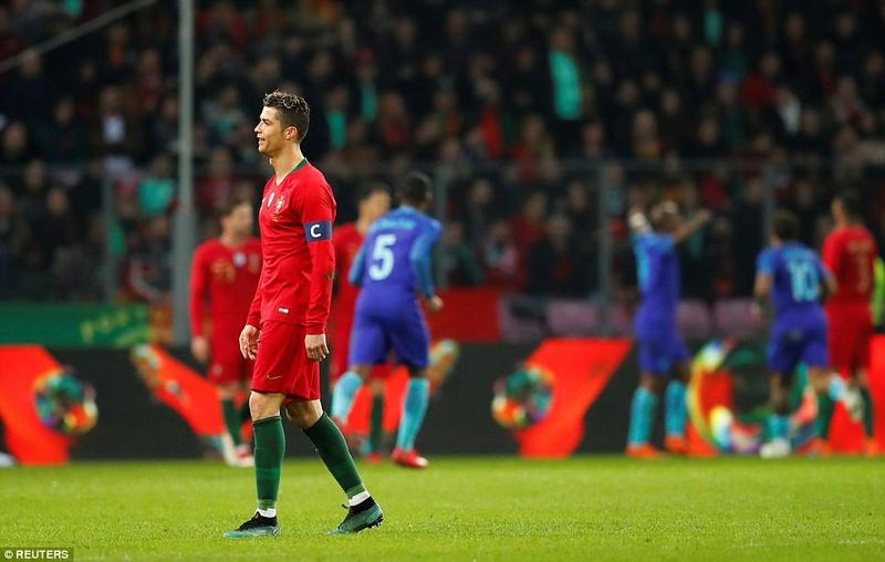 Portugal 0-3 Holland:  4a945110