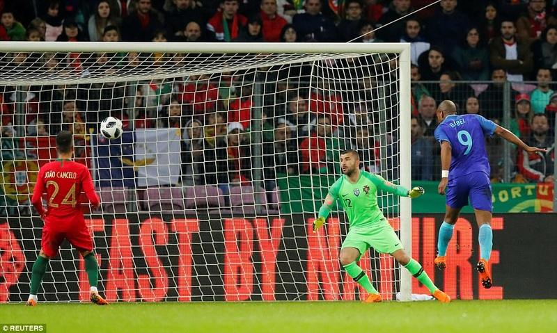 Portugal 0-3 Holland:  4a945111