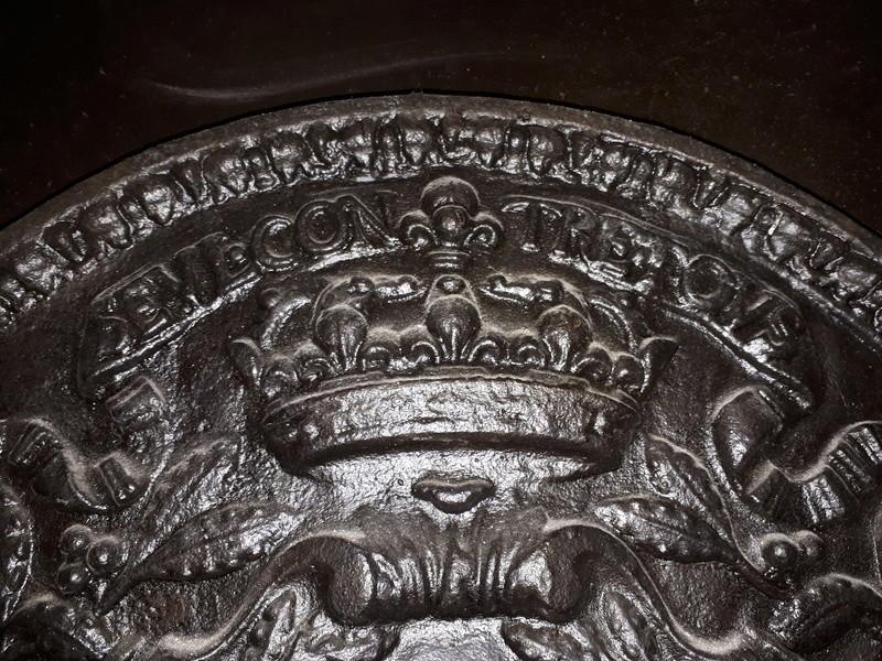 superbe plaque en fonte 1684 20180316
