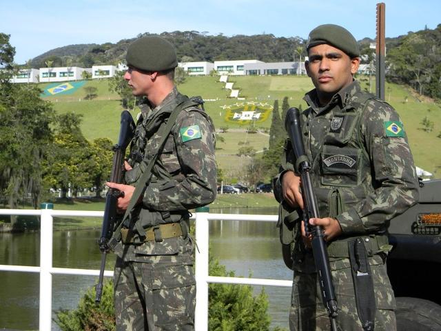 1ª Divisão de Infantaria do Exército Brasileiro  Eb_2710