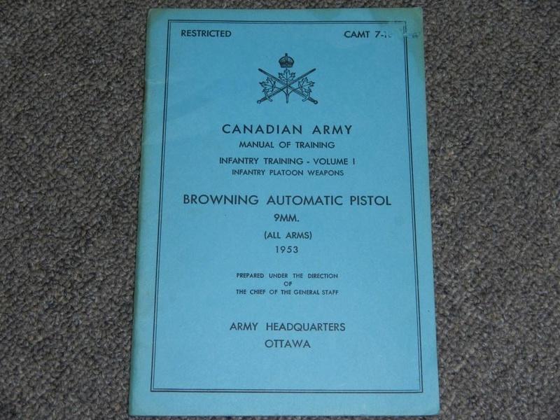 Pistolet Browning GP No 2 MK I* de fabrication canadienne  14_cop12
