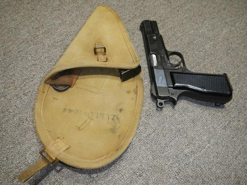 Étuis 1944 - 1945 pour le pistolet canadien GP No 2 MK I* 3_copy13