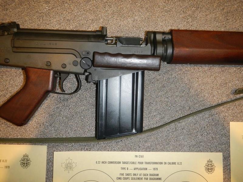 Nécessaire de transformation du fusil de 7.62 mm modèle FN C1A1 en calibre .22 Dscn2211