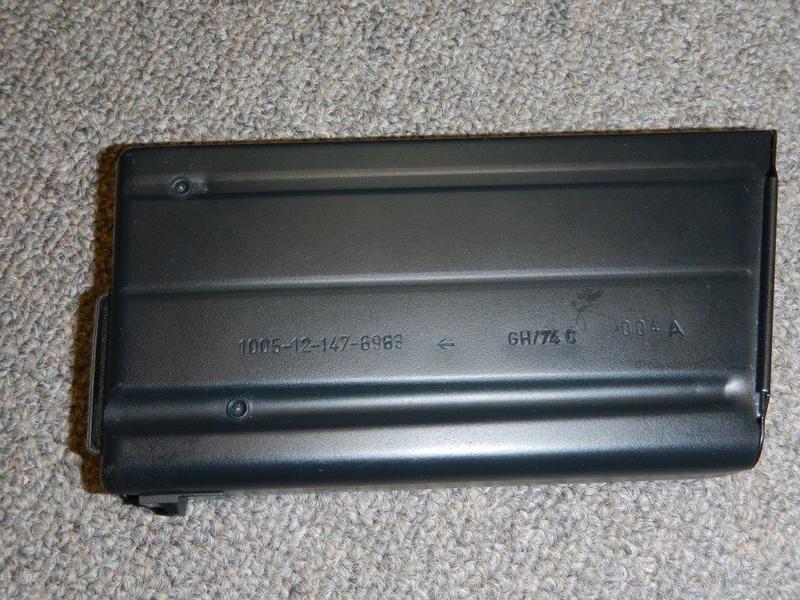Nécessaire de transformation du fusil de 7.62 mm modèle FN C1A1 en calibre .22 Dscn2316