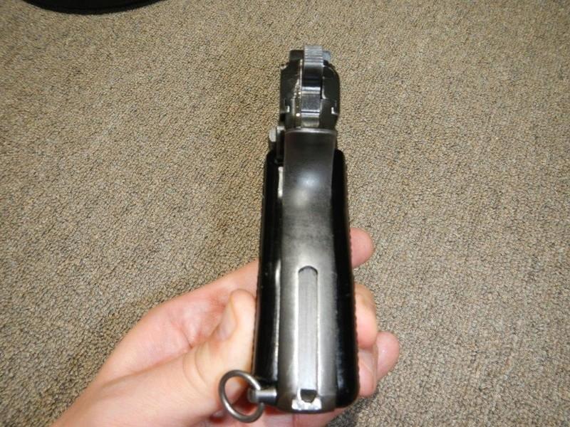 Pistolet  Browning GP No1 MK I* de fabrication canadienne et la crosse en bois Dscn2512
