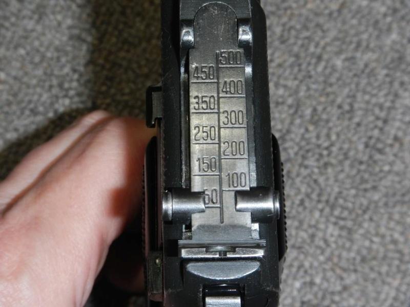 Pistolet  Browning GP No1 MK I* de fabrication canadienne et la crosse en bois Dscn2514