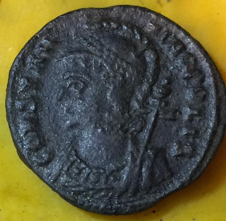 AE3 conmemorativo de la Ciudad de Constantinopla. Heraclea  Img_1313