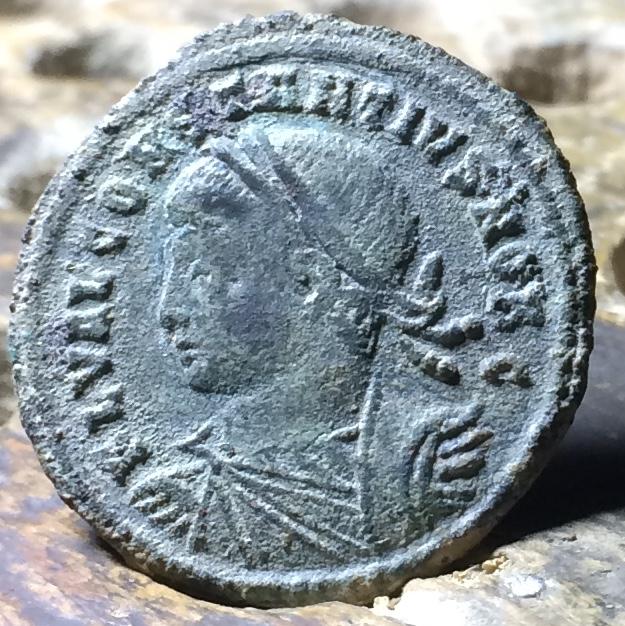 AE3 de Constancio II. PROVIDENTIAE CAESS Img_1439