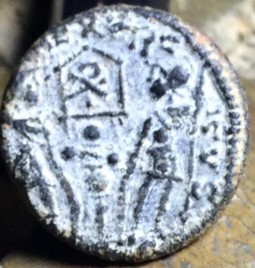 AE4 de Constancio II. GLORIA EXERCITVS. Lyon Img_2029