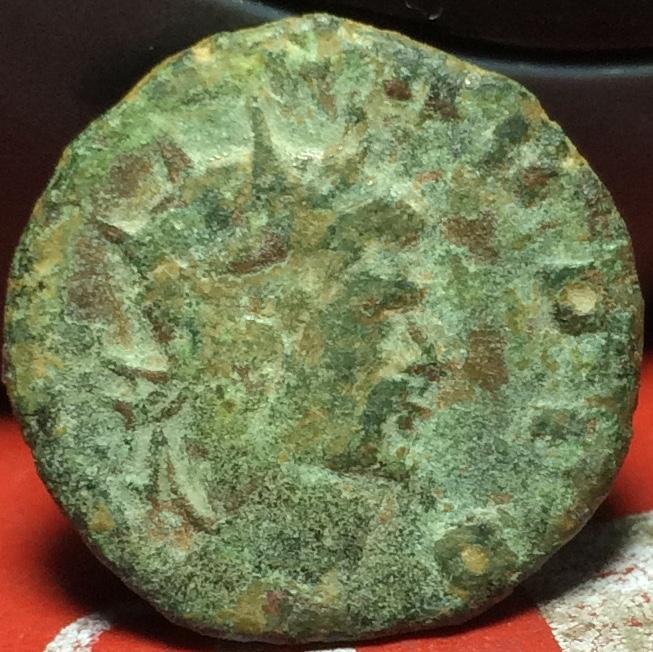 Antoniniano de imitación Hispánica de Claudio II. CONSECRATIO. Altar Img_2126