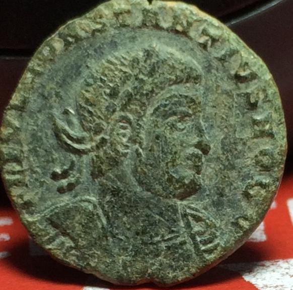 AE4 de Constancio II. GLORIA EXERCITVS. Lyon  Img_2143