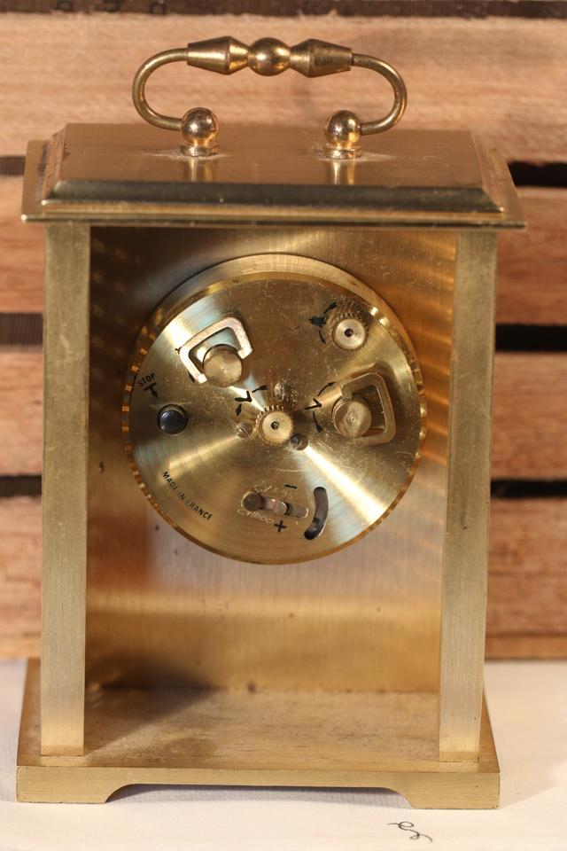 Identification d'une pendulette Img_9518