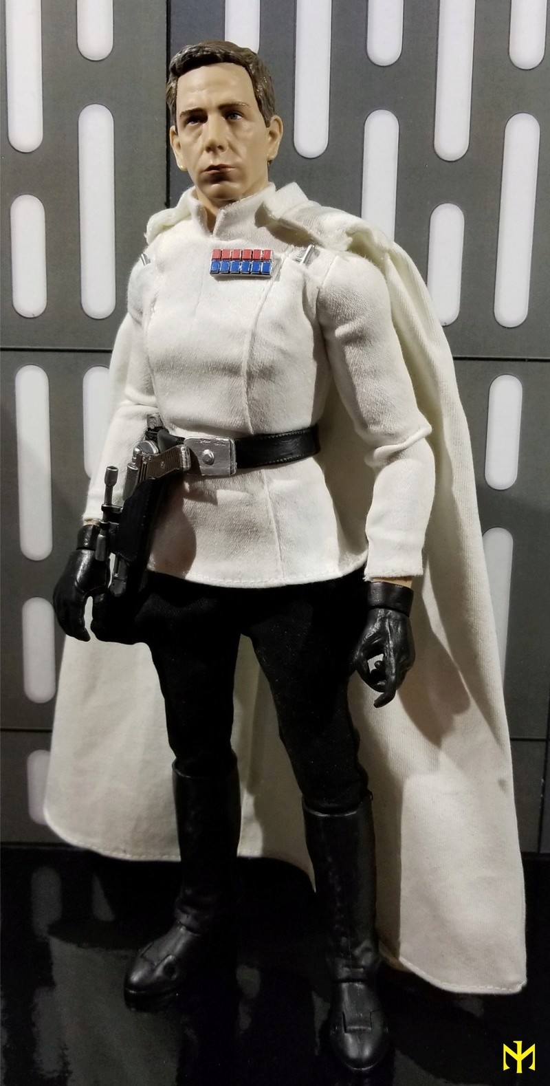 Product Review Disney Star Wars Elite Series Director Orson Krennic Premium Action Figure Krenni14