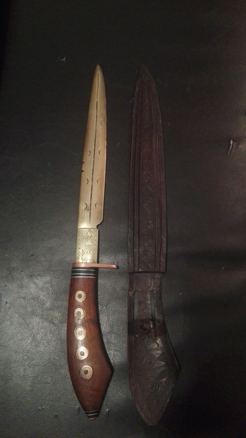 Identification poignard/dague origine africaine Img_2016