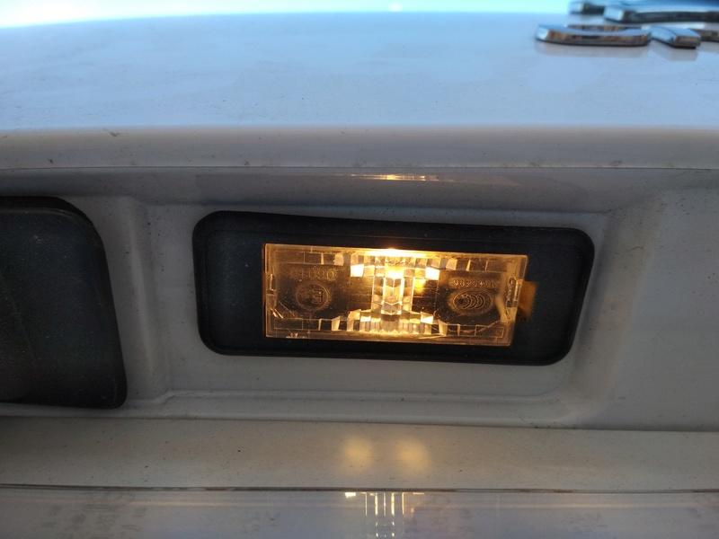 Instalación plafón matricula led original citroen + bonus antena+luz cofre Img_2015