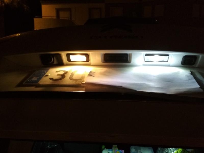 Instalación plafón matricula led original citroen + bonus antena+luz cofre Img_2023