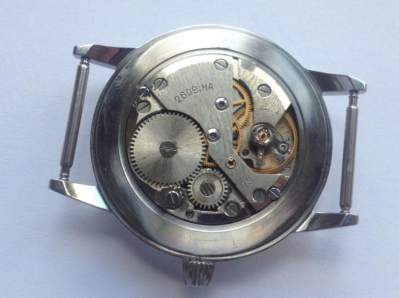Jaeger -  [Postez ICI les demandes d'IDENTIFICATION et RENSEIGNEMENTS de vos montres] - Page 23 Mouvem10