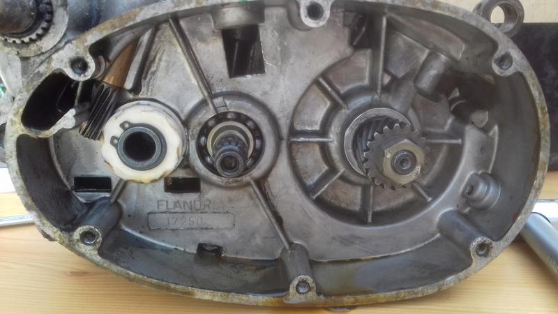 dépose complet moteur flandria 4,3cv à 4vitesse a main 20180463