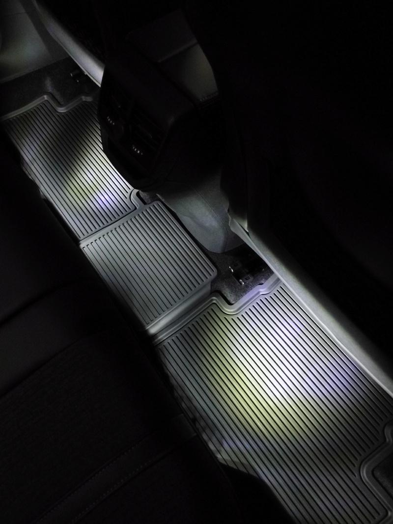 Instalacion luz pies asiento trasero Img_2019