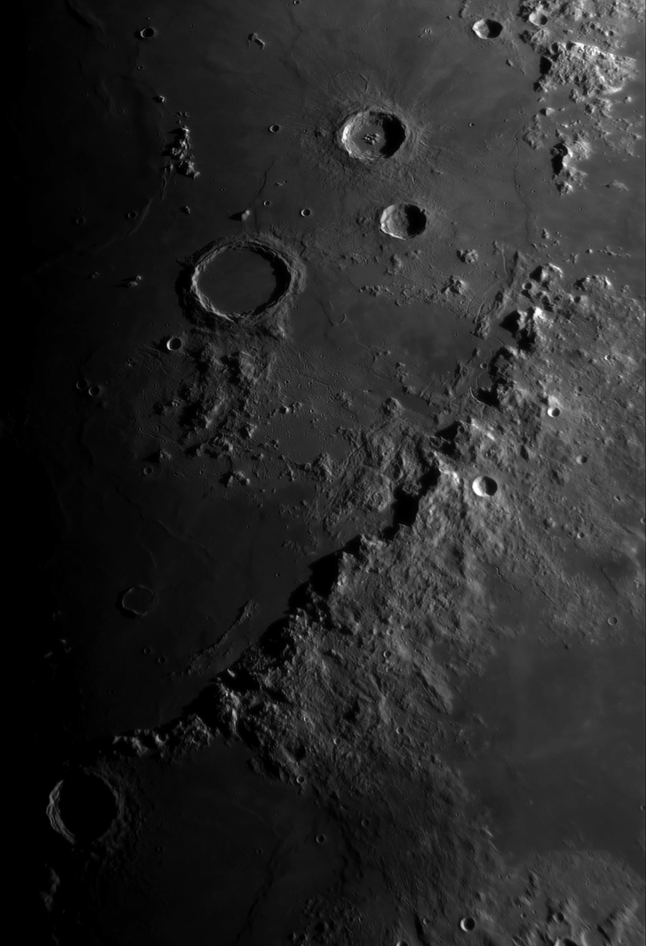 La Lune - Page 16 Appeni10