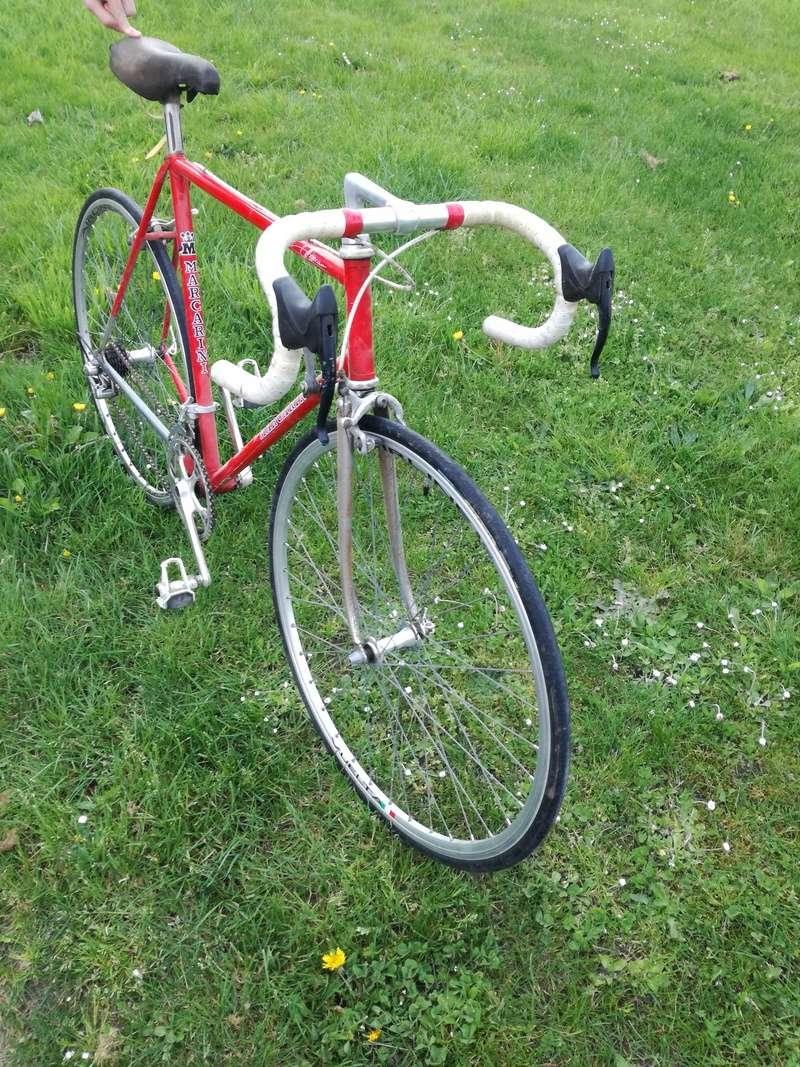 Cherche modèle de vélo - Marque Marcarini Img_2010