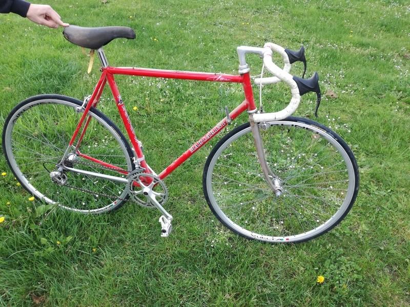 Cherche modèle de vélo - Marque Marcarini Img_2011