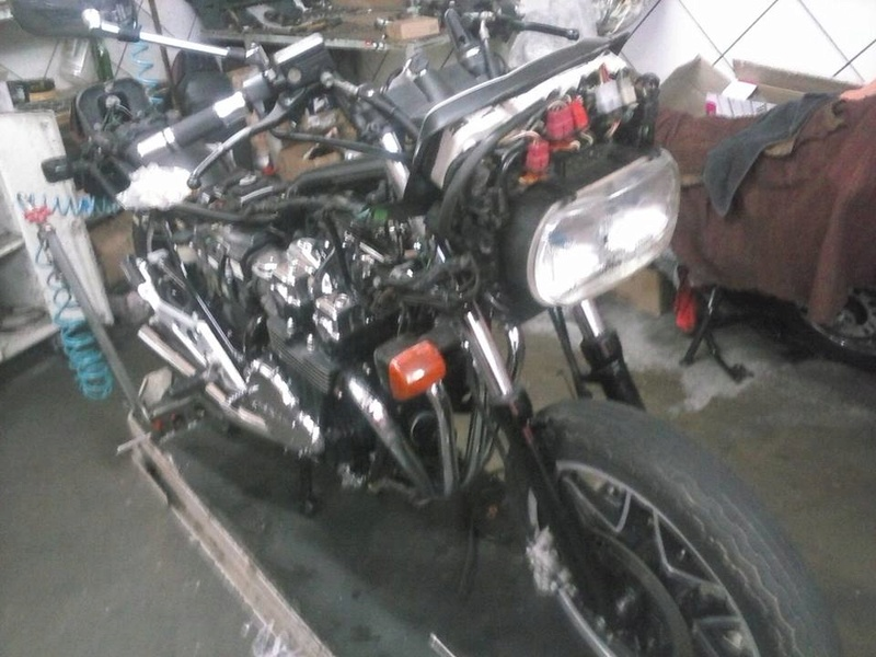 Restauração CBX 750F 1988 - Magia Negra. Rest410