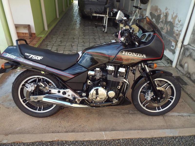Restauração CBX 750F 1988 - Magia Negra. Termin20