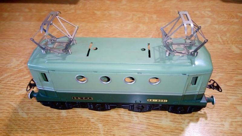 Petit souci moteur sur une hornby 8051 bicolore verte Dsc_1412