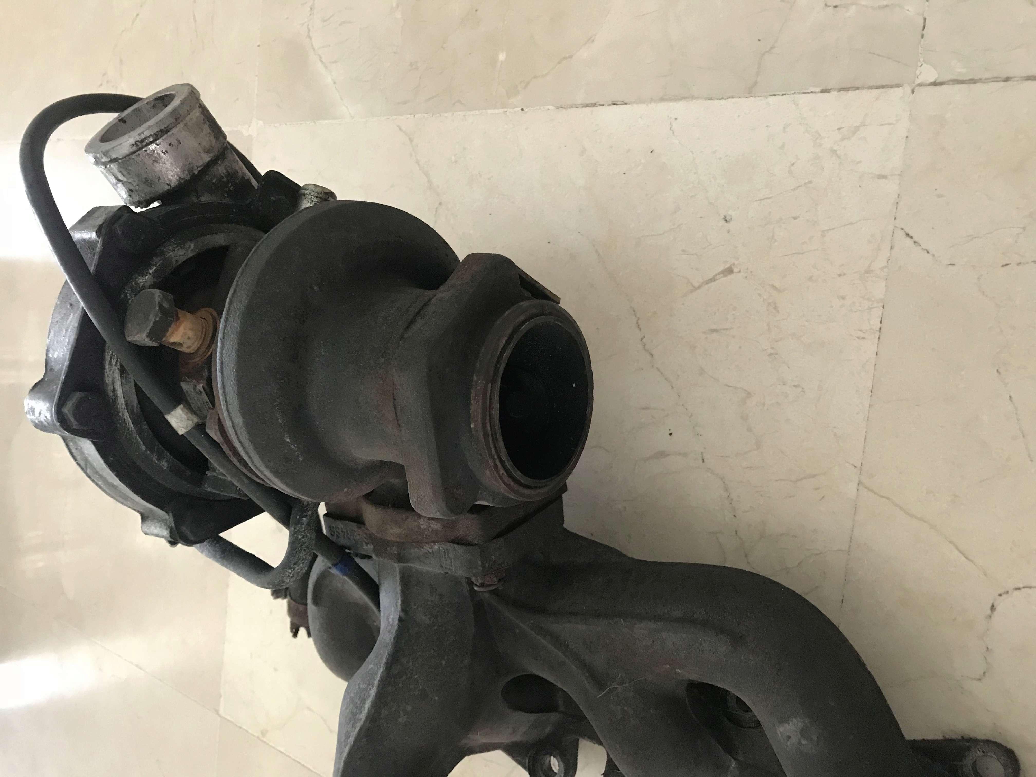 Turbo y colector de salida 20V Img_5610