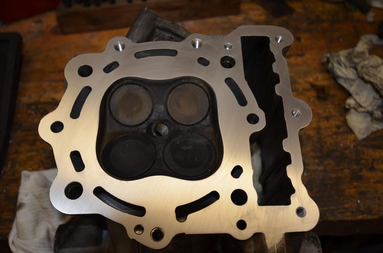F650 Scarver joints pompe à eau et culasse Dsc_2911