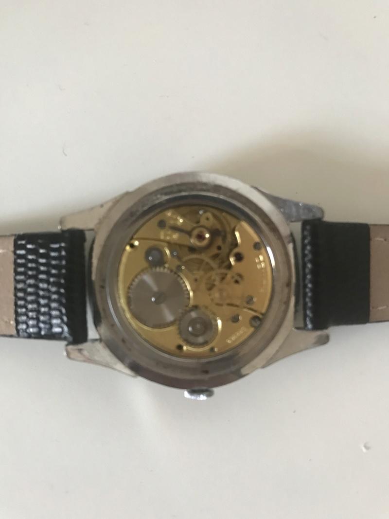 Jaeger -  [Postez ICI les demandes d'IDENTIFICATION et RENSEIGNEMENTS de vos montres] - Page 23 45bd3910