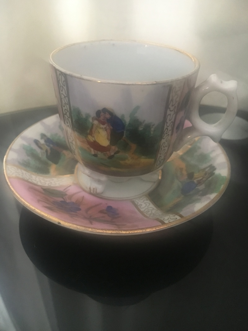 Mini teacup and saucer porcelain Handpainted gilding bright mark R E6671510