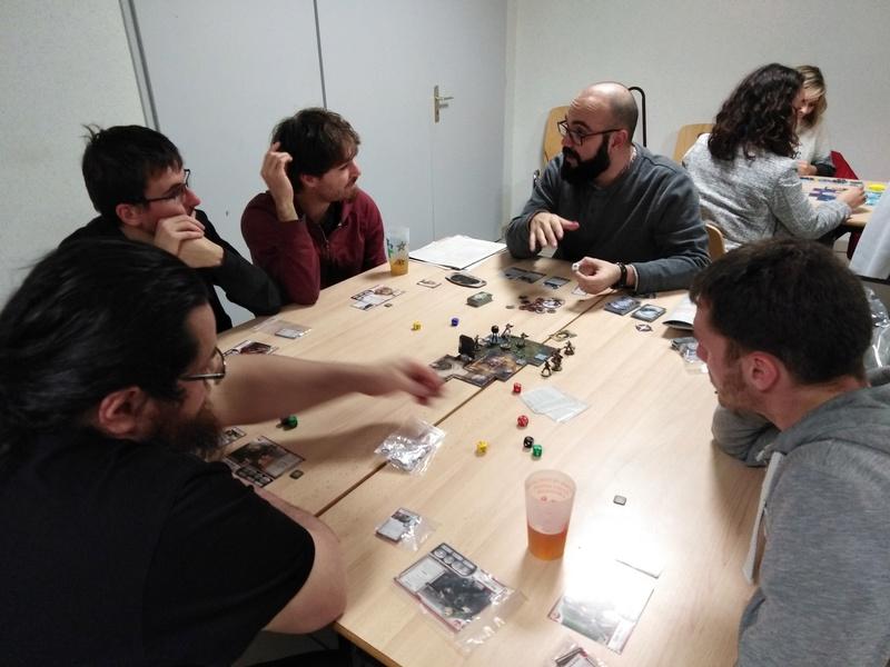 [2018] Vendredi 30 novembre : soirée jeux du mois (17 joueurs/ses) Img_2010