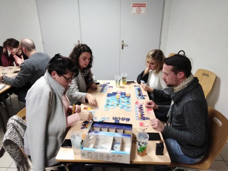 [2018] Vendredi 30 novembre : soirée jeux du mois (17 joueurs/ses) Img_2011