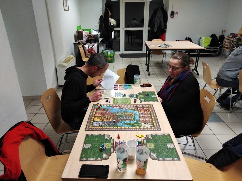 [2018] Vendredi 30 novembre : soirée jeux du mois (17 joueurs/ses) Img_2012