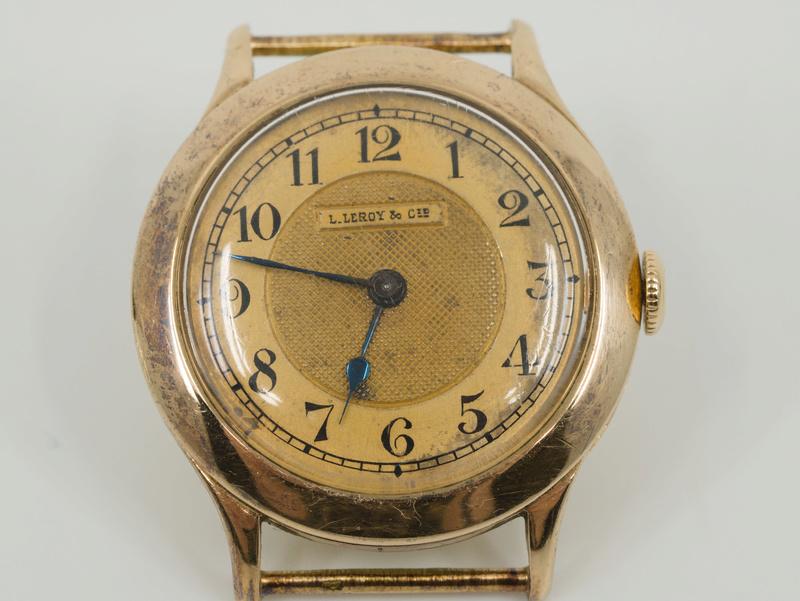 Jaeger -  [Postez ICI les demandes d'IDENTIFICATION et RENSEIGNEMENTS de vos montres] - Page 23 P1030811