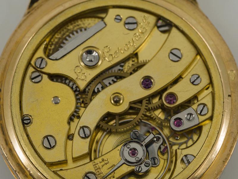 Jaeger -  [Postez ICI les demandes d'IDENTIFICATION et RENSEIGNEMENTS de vos montres] - Page 23 P1030812