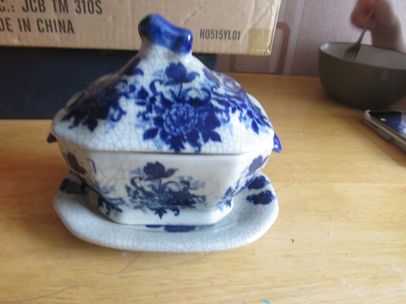 unusual pottery mark  Img_7610